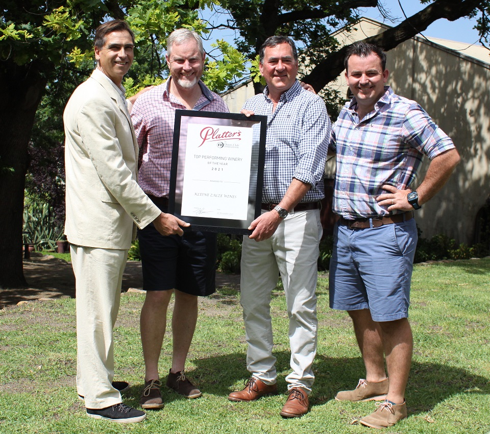 JP Rossouw (Platter's), Alastair Rimmer (cellarmaster), Kobus Basson (owner), RJ Botha (winemaker)